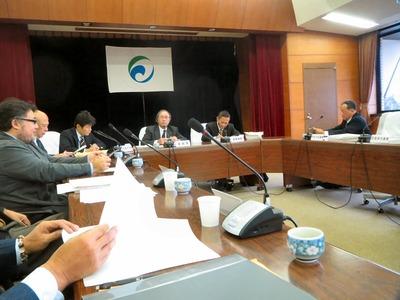 市統合庁舎建設に関する特別委員会