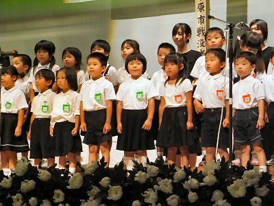 山東幼稚園の子どもたち