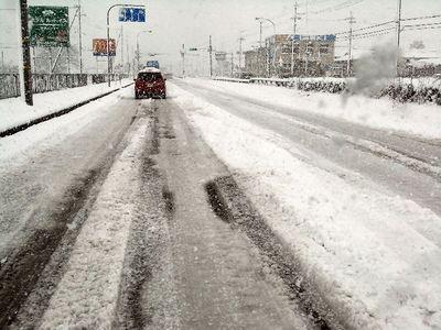 雪の国道8号