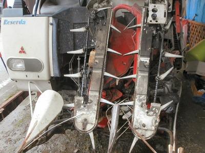 コンバイン刈り取り部の整備