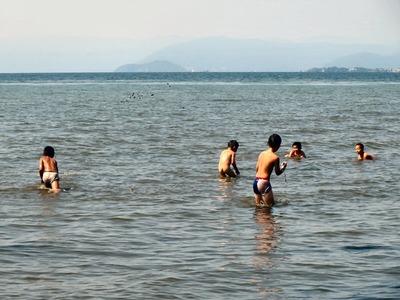 冒険遊び場湖岸