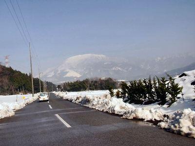 乙姫街道から見た伊吹山