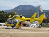 ヘリコプターに収容