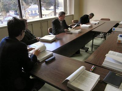 議会運営委員会前の協議