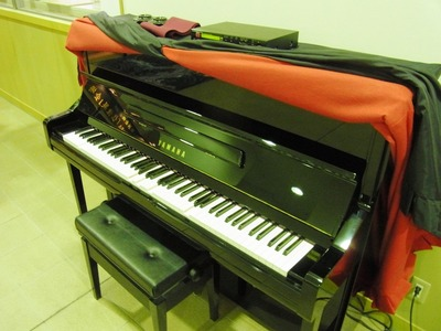 近江図書館のピアノ