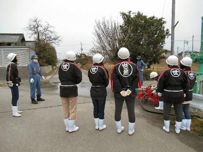 女性消防隊