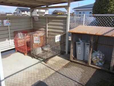 チャイルドハウス近江資源ごみ回収場所