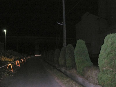 街路灯カントリー前