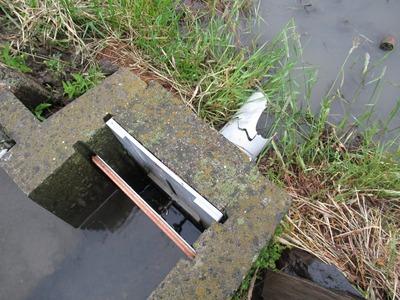 止水板設置の様子