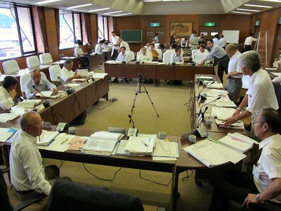 産業建設常任委員会
