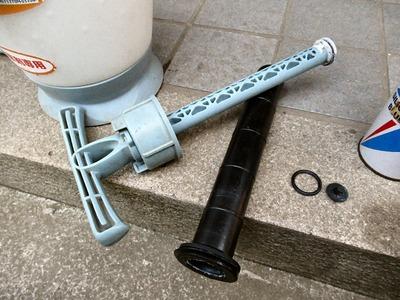 蓄圧式噴霧器修理
