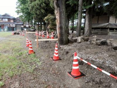 春日神社の石積み工事