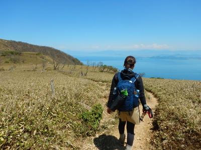 蓬莱山への稜線