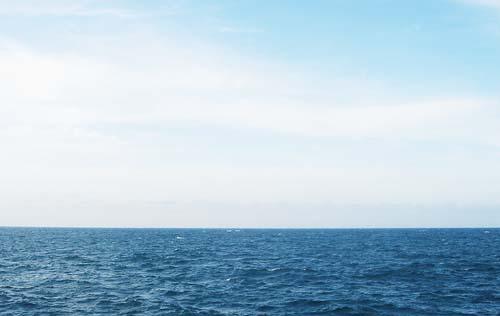 やな気分を吹き飛ばそう!波の音はいいねぇ♪