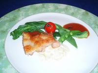 肉料理 宮崎産地鶏のカリカリポワレ