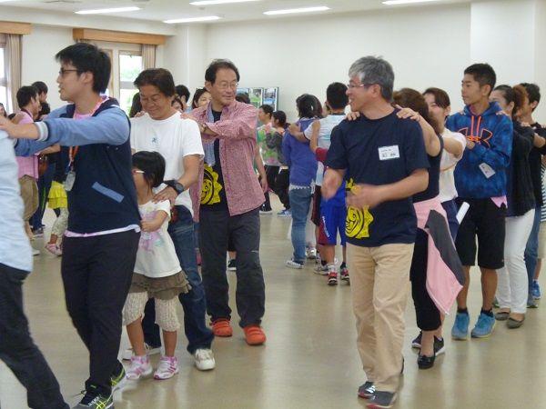 2回沖縄キャンプ 出会いの広場 ジャンケン列車
