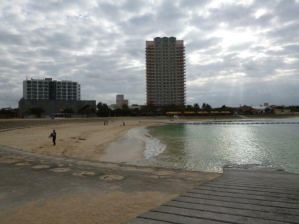 沖縄幼児吃音6 ワイキキのような浜辺