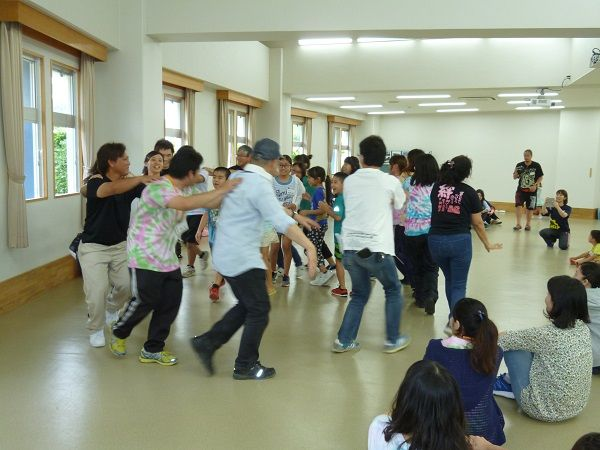2回沖縄キャンプ 出会いの広場 歌で表現