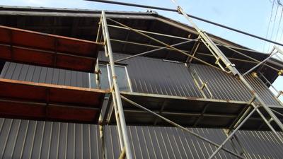 新潟県三条市の屋根外壁塗装リフォーム専門店 遠藤組 角波カラーガルバリウム鋼板張り