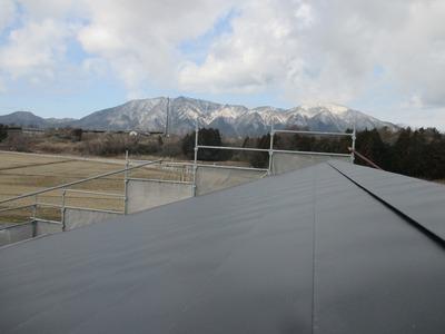 新潟県三条市の建築板金工業 横葺カラーステンレス0.35mm