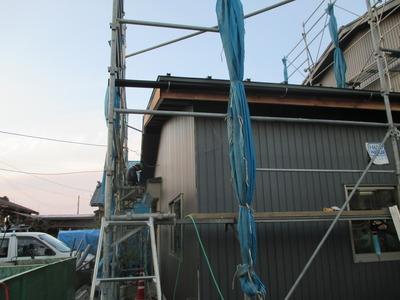 新潟県三条市の屋根外壁塗装リフォーム専門店遠藤組 角波ガルバリウム鋼板で外壁リフォーム