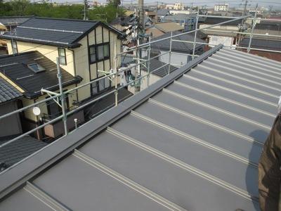 新潟県三条市の屋根外壁塗装リフォーム専門店遠藤組 立平屋根葺き替え