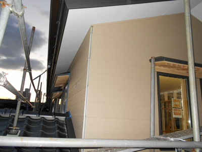 新潟県三条市の住宅外壁金属サイディング貼り 遠藤板金工業