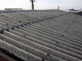 新潟県燕三条の波形スレートの雨漏りが始まったら専用カバールーフを