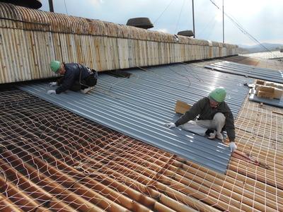 スレート屋根のカバー 新潟県三条市の屋根外壁塗装リフォーム専門店遠藤組