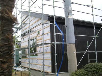 新潟県燕三条で外壁サイディングIGガルスパンを貼っています。