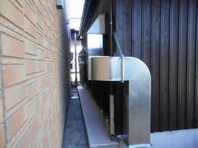 新潟県三条市屋根外壁塗装リフォーム専門店遠藤組 店舗厨房排気ダクト
