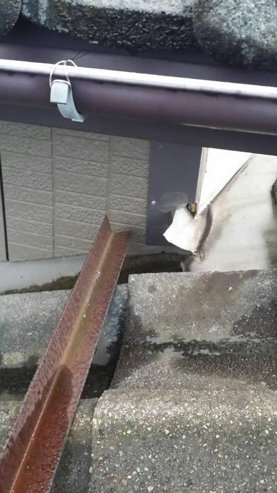 新潟県三条市の屋根外壁塗装リフォーム専門店 遠藤組 入隅辺りの雨漏り