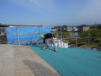 新潟県燕三条の車庫屋根工事 下地ルーフィング貼り