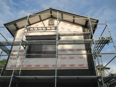 新潟県三条市の屋根外壁塗装リフォーム専門店遠藤組 金具留めサイディングの金具おかしい!