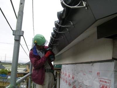 新潟県燕三条の屋根外壁リフォーム専門店遠藤組 雨樋の取り替え