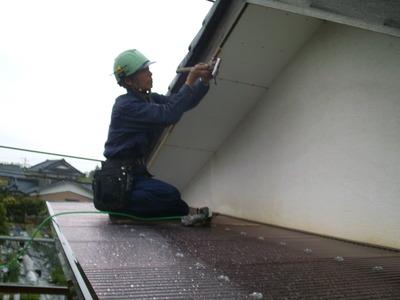 新潟県三条市の屋根外壁リフォーム専門店 遠藤組 破風鼻隠しガルバリウム鋼板貼り付け