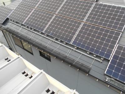 新潟県三条市の屋根外壁塗装リフォーム専門店遠藤組 太陽光パネルと雪止