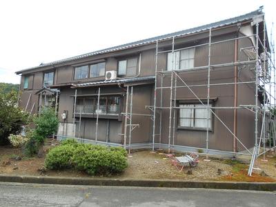 新潟県三条市の屋根外壁塗装リフォーム専門店遠藤組 足場掛け作業