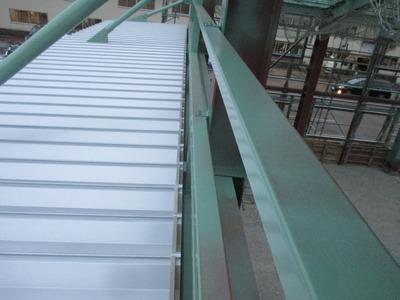 新潟県三条市の屋根外壁塗装理フォーム専門店遠藤組 折板屋根カラーGL0.8