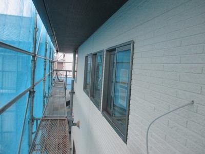 新潟県三条市の屋根外壁塗装リフォーム専門店遠藤組 雨樋取り付けと外壁張