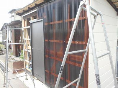 新潟県三条市の屋根外壁塗装リフォーム専門店遠藤組 ポリカ波板張り