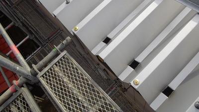 新潟県三条市の屋根外壁塗装リフォーム専門店遠藤組 折板屋根の雨樋