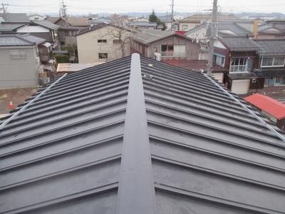 新潟県三条市の屋根外壁塗装リフォーム専門店遠藤組 三条市N様邸屋根カバー工事完了