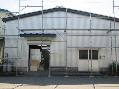 新潟県三条市の屋根外壁塗装リフォーム専門店遠藤組 三条市関山木工さん工場外壁工事
