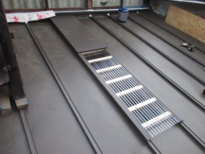 新潟県三条市の屋根外壁塗装リフォーム専門店遠藤組 屋根瓦棒葺き