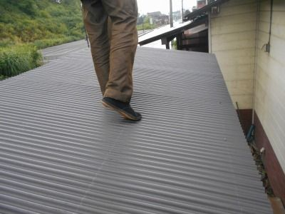 新潟県三条市の屋根外壁塗装リフォーム専門店遠藤組 屋根波板張り
