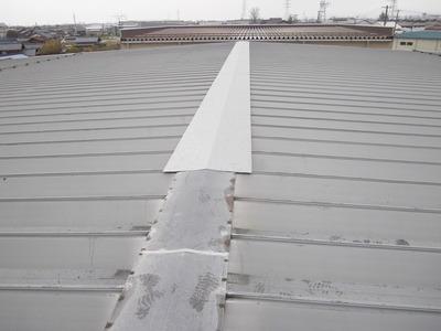 新潟県三条市の屋根外壁塗装リフォーム専門店《遠藤組》折板屋根の雨漏り
