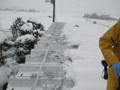 新潟県三条市の屋根外壁塗装リフォーム専門店遠藤組 雪止め取り付け