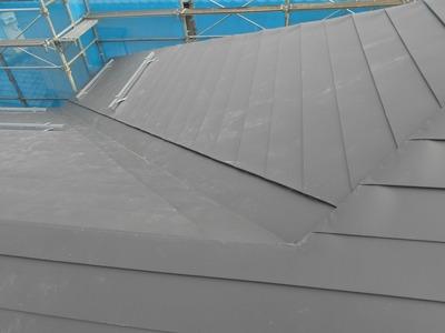 新潟県三条市の屋根外壁塗装リフォーム専門店遠藤組 横葺カラーGL0.35mm@303mm
