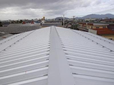 新潟三条屋根外壁塗装リフォーム専門店《遠藤組》 屋根ガルバリウム鋼鈑カバー工事